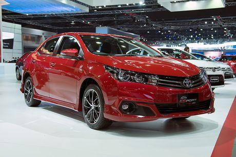 Toyota Corolla phien ban eSport 2016 ra mat tai Thai Lan - Anh 6