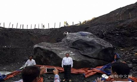 Phat hien khoi da ngoc bich khong lo nang gan 175 tan o Myanmar - Anh 3