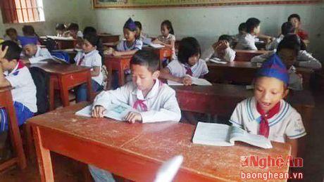 154 hoc sinh truong tieu hoc Tru Son II (Do Luong) da di hoc tro lai - Anh 3
