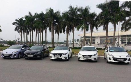 Choang ngop dan Mazda 3 hoi ngo tai Ha Noi - Anh 9