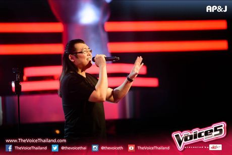 Sau Doraemon, The Voice Thailand lai khien khan gia 'phat dien' vi… 7 vien ngoc rong - Anh 2