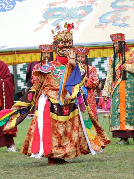 Bhutan - le hoi mua thu nhin khong chan mat - Anh 8