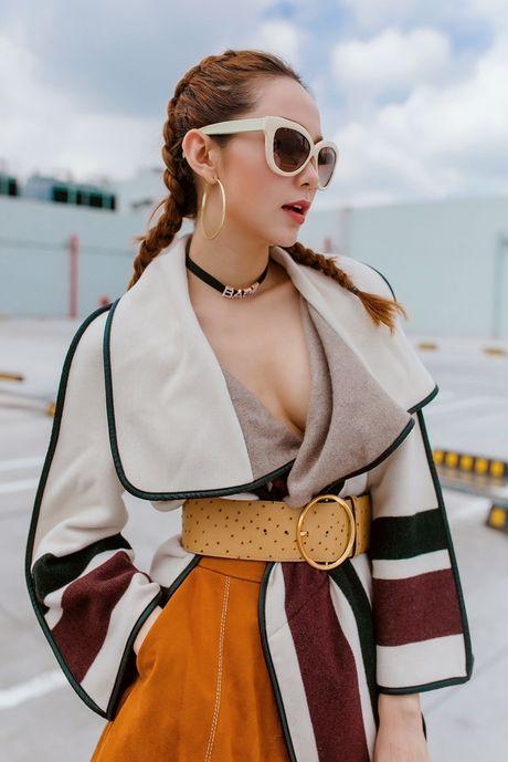 Minh Hang he lo lien tiep clip hau truong cho MV tro lai - Anh 4
