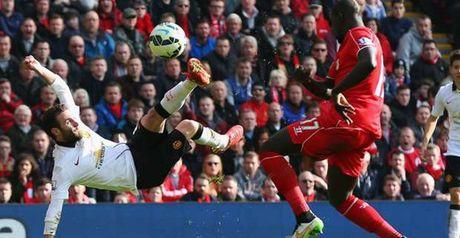 Top 10 ban thang dep nhat derby nuoc Anh giua Liverpool va Man Utd - Anh 1
