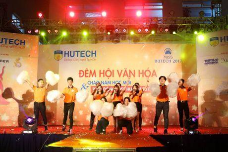 'Dem hoi chao nam hoc moi va Phat dong Miss HUTECH' soi dong - Anh 1