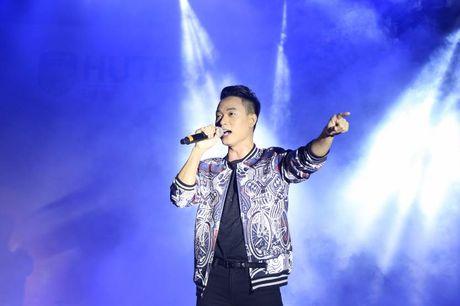 'Dem hoi chao nam hoc moi va Phat dong Miss HUTECH' soi dong - Anh 3
