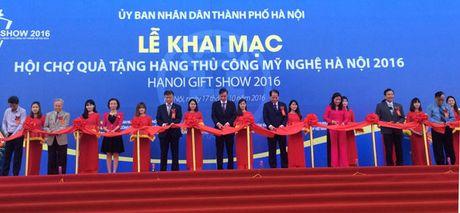 Hanoi Gift Show 2016: Dua hang thu cong my nghe Viet Nam ra thi truong the gioi - Anh 1