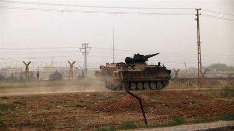 Tho Nhi Ky dieu binh toi bien gioi Iraq: Cuoc choi moi - Anh 1