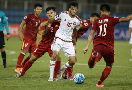 Clip U19 Viet Nam cam hoa U19 UAE trong the 10 nguoi - Anh 1