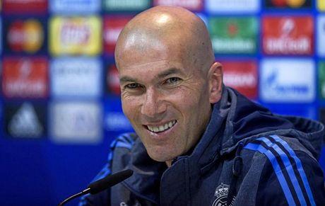 Zidane kho chiu ra mat voi loi nhan xet cua Tong thong Phap - Anh 1