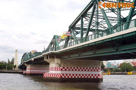 Can canh 'cau Long Bien' noi tieng cua Bangkok - Anh 2