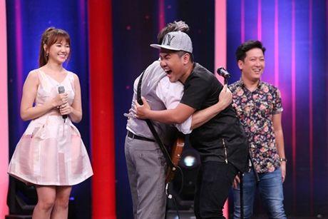 "Sieu bat ngo: Truong Giang ""ngat xiu"" vi Chi Tai va Hari Won song ca - Anh 4"