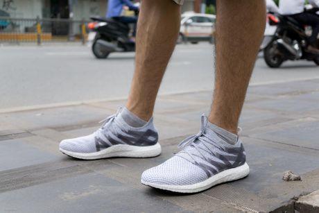 'Tren chan' Adidas MFG, doi giay lam tu nha may robot o Duc - Anh 1
