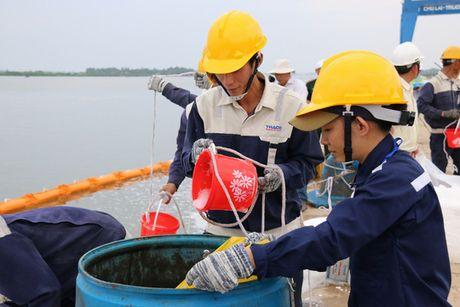 Quang Nam ung pho su co tran dau - Anh 7