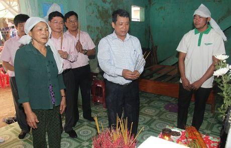 VBSP den voi ba con vung ron lu Quang Binh sau con hoan nan - Anh 6