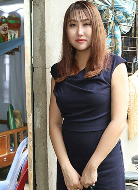 Phi Thanh Van khoc nac khi tham hai ba chau ngheo kho - Anh 1
