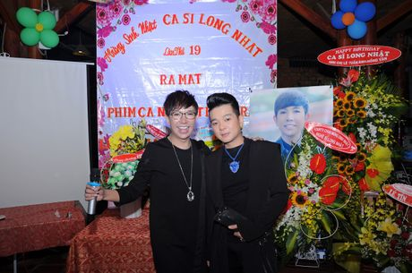 Long Nhat om chat A hau Trinh Kim Chi don tuoi moi - Anh 7