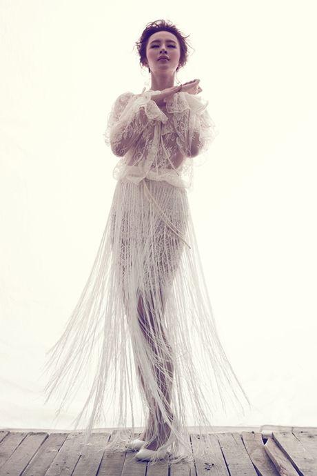 Angela Phuong Trinh quyen ru trong trang phuc ren cua NTK Do Manh Cuong - Anh 3