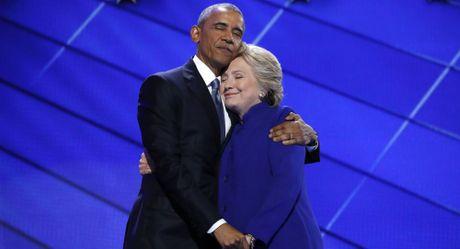 Ba Hillary Clinton tung tu choi phau thuat dat van tim gia - Anh 1