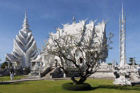 Kham pha Wat Rong Khun ky quan Phat giao trang cua Thai Lan - Anh 10