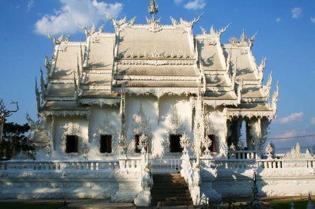 Kham pha Wat Rong Khun ky quan Phat giao trang cua Thai Lan - Anh 11