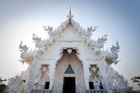 Kham pha Wat Rong Khun ky quan Phat giao trang cua Thai Lan - Anh 12