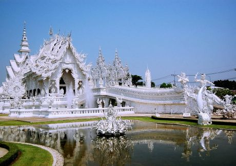 Kham pha Wat Rong Khun ky quan Phat giao trang cua Thai Lan - Anh 1