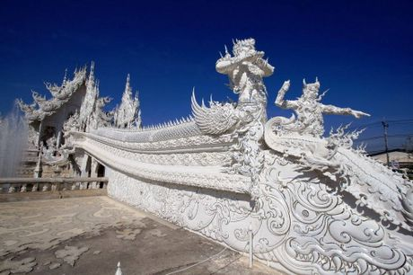 Kham pha Wat Rong Khun ky quan Phat giao trang cua Thai Lan - Anh 4