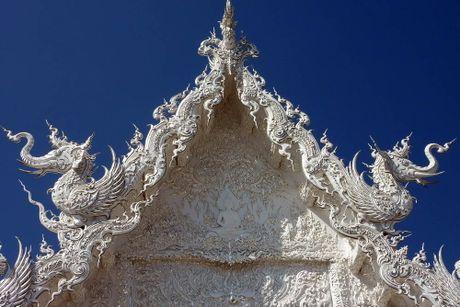Kham pha Wat Rong Khun ky quan Phat giao trang cua Thai Lan - Anh 8
