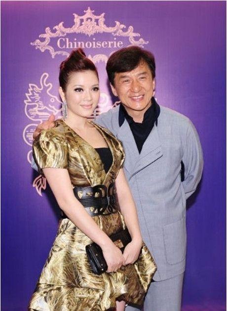 Nguong mo tinh ban giua Ly Nha Ky cung dan sao 'khung' quoc te - Anh 16