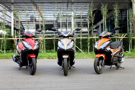 Honda Airblade doi cu dinh an trieu hoi do loi bom nhien lieu - Anh 1