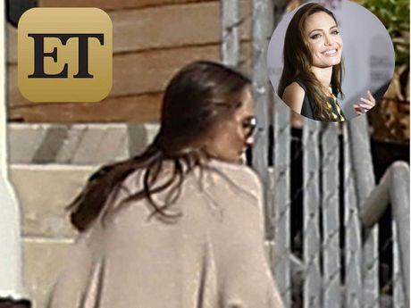 Angelina Jolie lan dau xuat hien sau ly hon - Anh 1