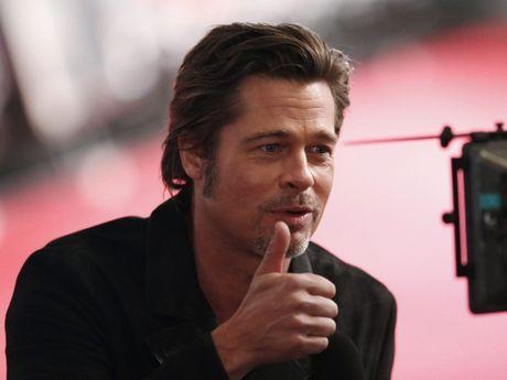 Angelina Jolie lan dau xuat hien sau ly hon - Anh 2