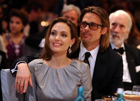 Angelina Jolie sut 4kg, roi vao trang thai khung hoang nghiem trong hau ly hon - Anh 2