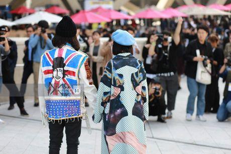 Hoang Ku, Chau Bui, Min cung cac fashionista Viet noi khong kem fashionista Han tai Seoul Fashion Week - Anh 5