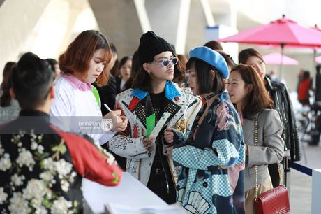 Hoang Ku, Chau Bui, Min cung cac fashionista Viet noi khong kem fashionista Han tai Seoul Fashion Week - Anh 7