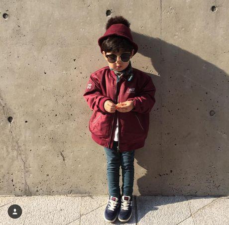 Fashionista hay Ngoi sao? Khong, chinh cac co be cau be nay moi dang 'thong tri' Seoul Fashion Week! - Anh 29
