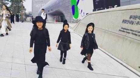Fashionista hay Ngoi sao? Khong, chinh cac co be cau be nay moi dang 'thong tri' Seoul Fashion Week! - Anh 4