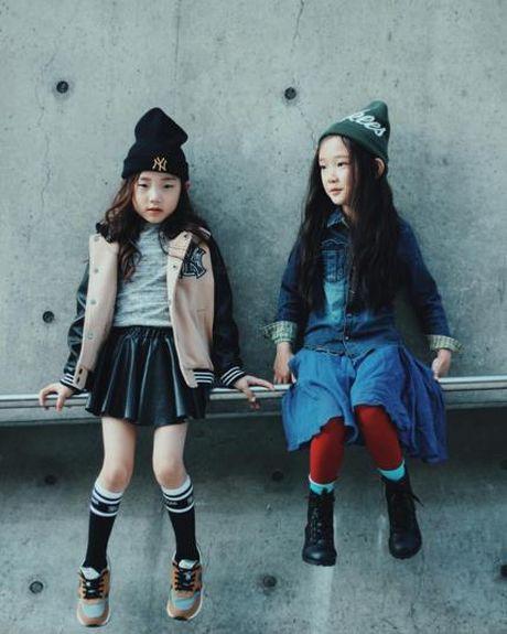 Fashionista hay Ngoi sao? Khong, chinh cac co be cau be nay moi dang 'thong tri' Seoul Fashion Week! - Anh 7