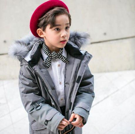 Fashionista hay Ngoi sao? Khong, chinh cac co be cau be nay moi dang 'thong tri' Seoul Fashion Week! - Anh 8