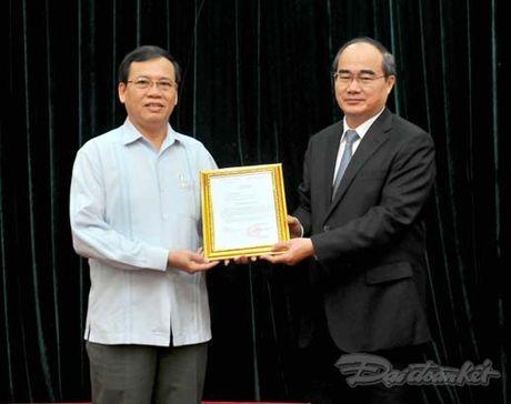 Nguyen Pho Chu tich - Tong Thu ky UBTU MTTQ Viet Nam nghi huu - Anh 2
