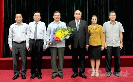 Nguyen Pho Chu tich - Tong Thu ky UBTU MTTQ Viet Nam nghi huu - Anh 3