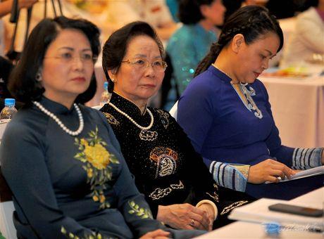 Phat huy pham chat 'Tu tin - Tu trong - Trung hau - Dam dang' - Anh 10