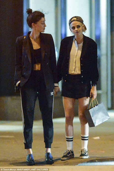 Kristen Stewart co ban gai moi - Anh 1