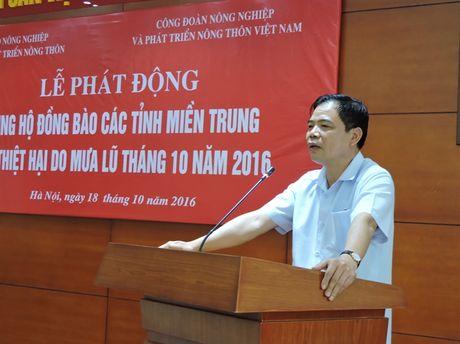 Nganh NN-PTNT phat dong ung ho dong bao mien Trung - Anh 1