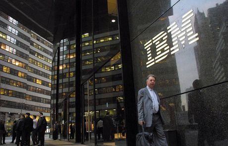 Loi nhuan quy 3/2016 cua IBM sut giam quy thu ba lien tiep, diem sang la o dien toan dam may - Anh 1