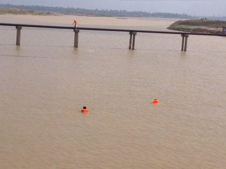 VNPT Ha Tinh khan truong ung cuu dam bao thong tin lien lac trong mua lu - Anh 3