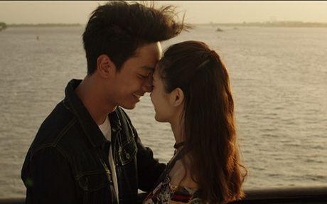 Hotgirl Jun Vu bat ngo hon ban dien Dinh Hieu - Anh 2