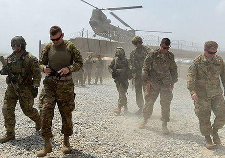 Tan cong gan can cu cua NATO o Kabul, 2 nguoi My thiet mang - Anh 1