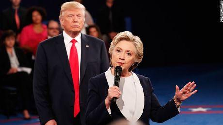 Hillary- Trump tranh luan truc tiep lan cuoi, vach tran diem xau nhat cua doi thu - Anh 1